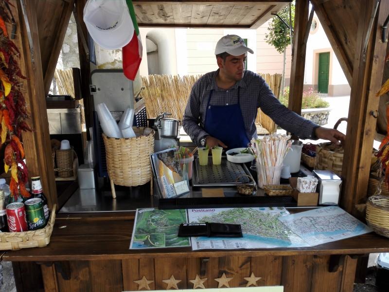 """Erst mal eine frische """"Granita di Limone"""" aus frischen Zitronen der Amalfi Küste"""
